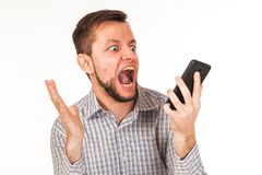 De gebaarde man spreekt op de telefoon Het stellen met verschillende emoties Simulatie van gesprek royalty-vrije stock foto