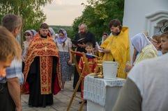 De gebeddienst bij de kerk van St John Evang Royalty-vrije Stock Foto's