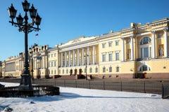 De gebouwen van de Senaat en de Synode in St. Petersburg stock fotografie