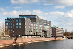 De gebouwen van de waterkant in Bremen, Duitsland Royalty-vrije Stock Afbeelding