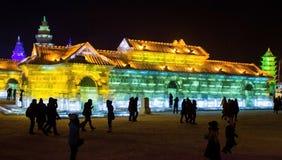 De Gebouwen van het ijs bij de Wereld van het Ijs en van de Sneeuw van Harbin in Harbin China Royalty-vrije Stock Afbeeldingen