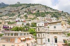 De gebouwen van Positano Stock Afbeeldingen