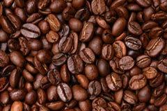 De gebraden donkere achtergrond van Koffiebonen Royalty-vrije Stock Fotografie