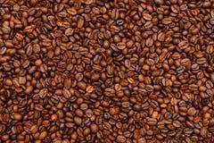 De gebraden donkere achtergrond van Koffiebonen Royalty-vrije Stock Foto