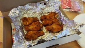 De gebraden kippen in de doos Royalty-vrije Stock Foto's