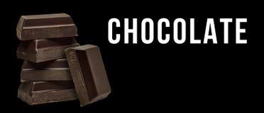 De gebroken chocolade blokkeert stapel stock afbeelding