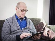 De Gebruiker van de tablet stock fotografie