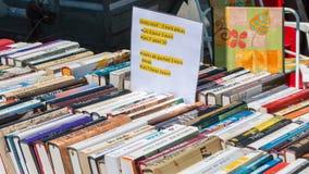 De gebruikte boeken van de vertoningstribune Stock Fotografie