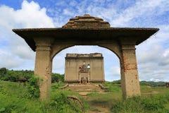 De Gedaalde tempel, dalende tempel Stock Foto