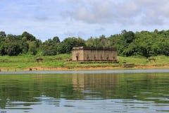 De Gedaalde tempel, dalende tempel Stock Afbeeldingen