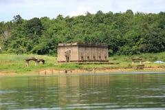 De Gedaalde tempel, dalende tempel Royalty-vrije Stock Afbeeldingen