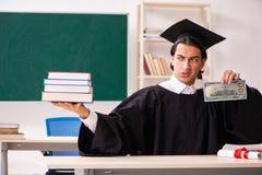 De gediplomeerde student voor groene raad royalty-vrije stock afbeelding