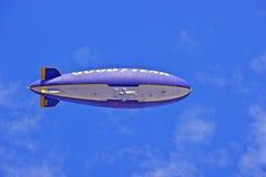 De Geest van de Goodyearblimp van Amerika tijdens de vlucht stock afbeeldingen