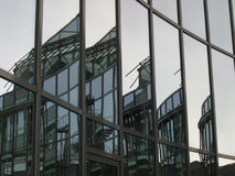 De gefacetteerde bouw Stock Afbeelding