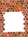 De gekleurde achtergrond van de potlodensamenstelling stock fotografie