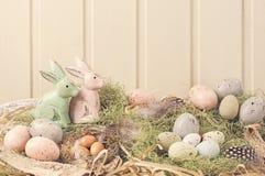 De gekleurde decoratie van Pasen pastelkleur stock afbeeldingen