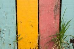 De gekleurde oude houten omheining Stock Afbeelding