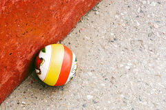 De gekleurde speelgoedbal Royalty-vrije Stock Afbeeldingen