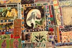 De gekleurde tegels op de Klokketoren in de stad van Tbilisi, Georgiatiles Stock Foto's