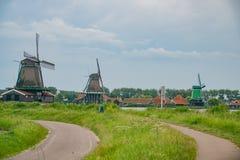 De Gekroonde Poelenburg, De Kat, moulin à vent de Windmill De Zoeker et photo libre de droits