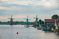 De Gekroonde Poelenburg, De Kat, moulin à vent de Windmill De Zoeker et photographie stock