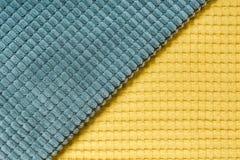 De gele en blauwe diagonale textiel, sluit omhoog Hoogste mening Abstract geruit patroon Royalty-vrije Stock Fotografie