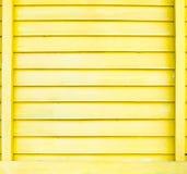 De gele en violette houten achtergrond van de plaatmuur, grunge verftekst Stock Foto's