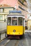 De Gele Tram van Lissabon stock foto's