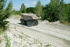 De gele Vrachtwagen van de Stortplaats Stock Afbeelding