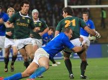 De gelijke Italië van het rugby versus Stadion Zuid-Afrika - Friuli Stock Afbeeldingen