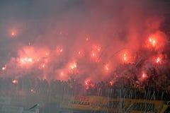 De gelijke van de voetbal tussen Minderen Aris en Boca Stock Foto