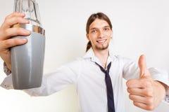 De gelukkige barman maakt gebaar royalty-vrije stock foto