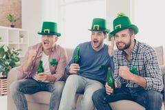 De gelukkige dag van Heilige Patrick ` s! Portret van aantrekkelijke, knappe, IMP royalty-vrije stock fotografie