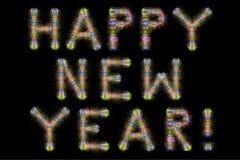 De gelukkige horizontale zwarte hemel van het Nieuwjaar kleurrijke fonkelende vuurwerk Stock Foto