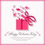 De gelukkige kaarten van de valentijnskaartendag met gift op achtergrond Stock Foto
