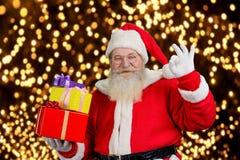 De gelukkige Kerstman op Nieuwjaar steekt achtergrond aan Royalty-vrije Stock Foto's