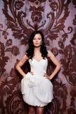 Mooie sexy bruid in witte huwelijkskleding Royalty-vrije Stock Foto's