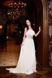 Mooie sexy bruid in witte huwelijkskleding Royalty-vrije Stock Afbeelding