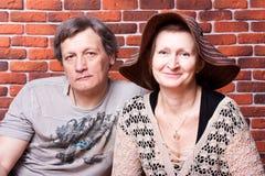 De gelukkige oudsten koppelen in liefde Stock Afbeelding