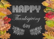 De gelukkige prentbriefkaar van het Thanksgiving dayontwerp met de herfstbladeren Royalty-vrije Stock Afbeeldingen