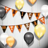 De Gelukkige Verjaardag van kleurenballons op een houten achtergrond royalty-vrije illustratie