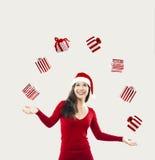 De gelukkige vrouw van Kerstmissanta stock afbeelding