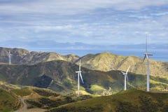 De generatie van de de turbinemacht van het windlandbouwbedrijf Royalty-vrije Stock Foto