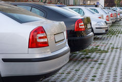 De geparkeerde auto's van het bedrijf, Stock Foto's
