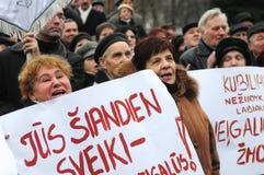 De gepensioneerden protesteren royalty-vrije stock afbeeldingen
