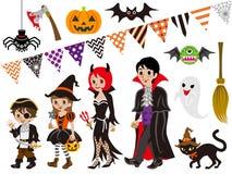 De geplaatste Familie en de Monsters van Halloween Stock Foto