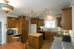 De geremodelleerde Keuken van de Kers Stock Afbeelding