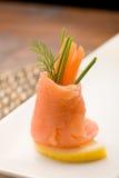 De gerookte broodjes van de Zalm met tomaten Royalty-vrije Stock Afbeeldingen