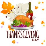 De geroosterd geheel die kip of Turkije sauced en roosterde de herfstgroenten, wijn op witte achtergrond met geel wordt geïsoleer Stock Fotografie