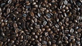 De geroosterde achtergrond van koffiebonen stock afbeeldingen